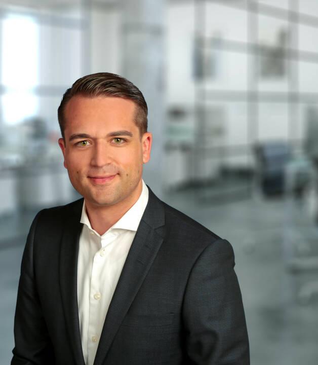 Thomas Soltau ist Vorstandsvorsitzender von FondsDISCOUNT.de und der wallstreet:online capital AG mit Sitz in Berlin. Mit seinem 30-köpfigen Team konzentriert er sich seither auf die Weiterentwicklung der Gesellschaft, auch über die Landesgrenzen hinaus: das Unternehmen startete seinen Vertrieb 2017 in Österreich. FondsDISCOUNT.de hat sich in den vergangenen 17 Jahren zu einem der größten Online-Vermittler entwickelt und bietet Anlegern Sonderkonditionen beim Fondskauf, so entfällt der branchenübliche Ausgabeaufschlag bei mehr als 20.000 Fonds. Bild: FondsDiscount.de