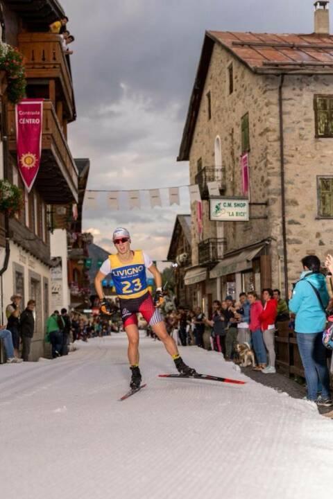 Lisa Unterweger: Mein Sportschnappschuss des Jahres 2017! Langlaufen im Sommer!! Bei der Trofeo delle Contrade Livigno - 1kshot - ein Langlaufsprint mitten in der Einkaufsstraße von Livigno.