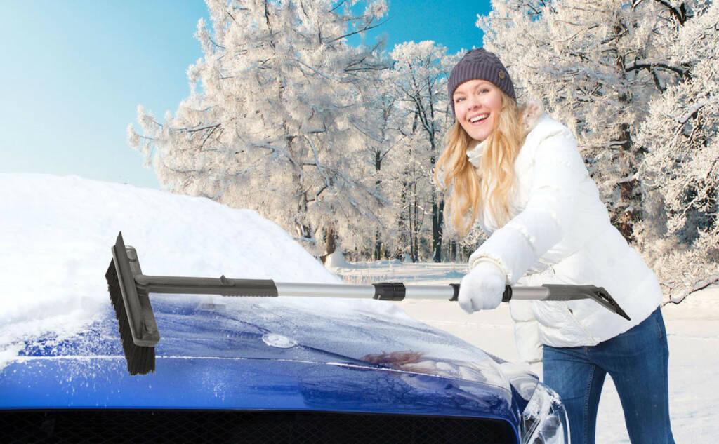 KUNGS: Mit dem richtigen Winter-Zubehör behalten Autofahrer den Durchblick, zB. mit KUNGS Star-IS Multifunktionaler Schneebesen mit Eiskratzer und Gummilippe. Credit: Kungs, © Aussendung (05.01.2018)