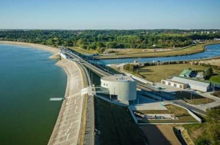 Eines der prestigeträchtigsten und kompliziertesten Projekte im Bereich Hydrotechnik, das in den vergangenen Jahren von der PORR in Polen fertiggestellt wurde – die Modernisierung des Hochwasserstausees Nysa. Foto©PORR
