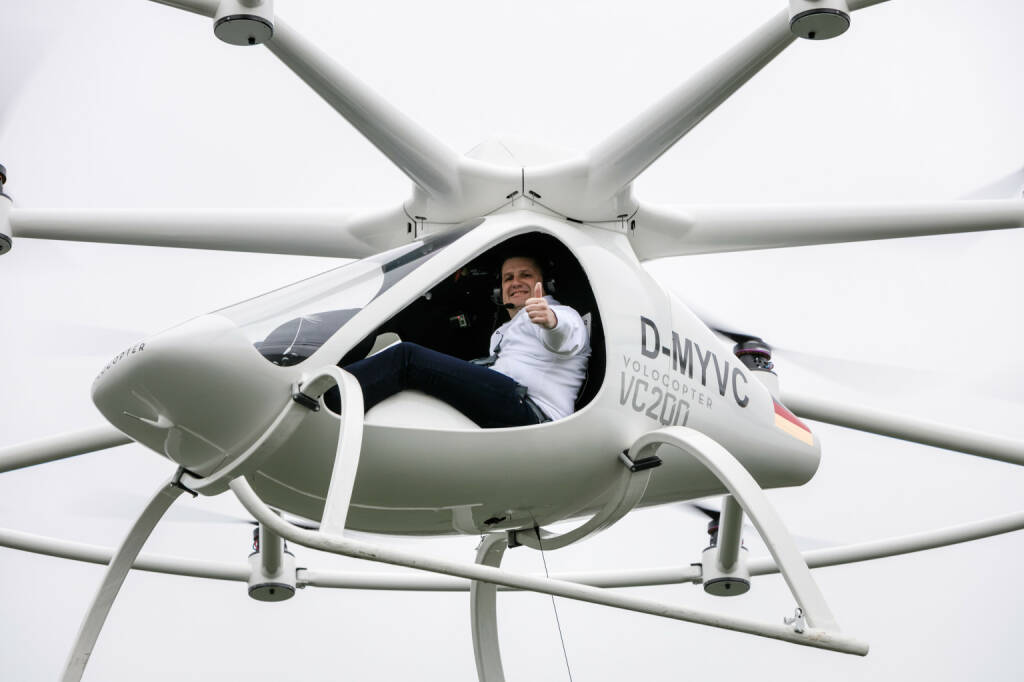 Velocopter: First manned flight mit Alexander Zosel, Volocopter VC200 - first manned flight, Photo: Nikolay Kazakov (09.01.2018)