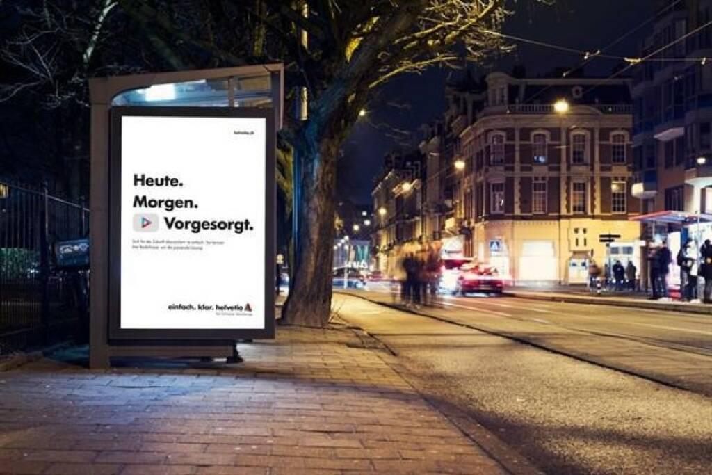 Am 1. Jänner 2018 startete Helvetia mit einem neuen Werbeauftritt in Österreich. Der neue Auftritt soll bewusst einfach wirken. Das Herzstück sind geschriebene Dreiklänge, schwarz auf weiß, die beim Publikum Bilder hervorrufen und ein klares Versprechen ausdrücken: Es geht auch einfacher. Bild: Helvetia, © Aussender (10.01.2018)