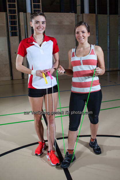 Springseil-Künstlerin Laura Göttfert (links) schafft Vierfach-Durchzüge! AUf sportblog.cc verrät sie, welche Tricks und Übungen Anfänger weiterbringen. (10.01.2018)