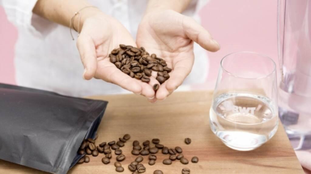 Wie Magnesium mineralisiertes Wasser Kaffee und Tee noch besser macht, zeigt BWT am Vienna Coffee Festival, das von 12. bis 14. Jänner 2018 in der Wiener Ottakringer Brauerei stattfindet. (© BWT), © Aussender (12.01.2018)