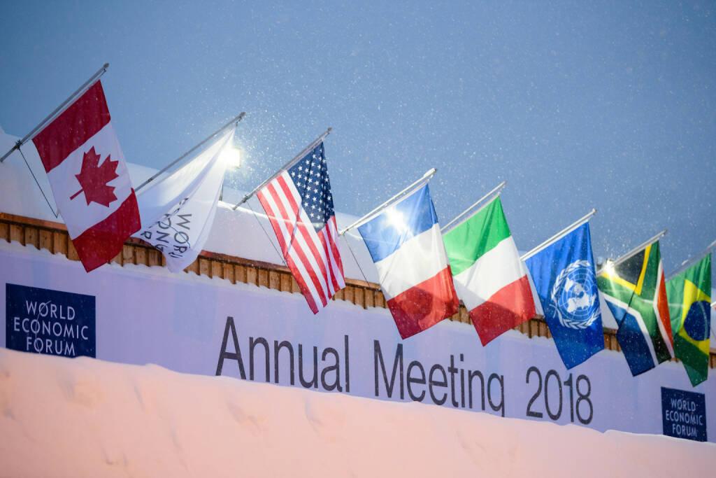 """Wertschöpfungs-Studie des World Economic Forum gemeinsam mit A.T. Kearney belegt: Bei den Produktionsfaktoren liegen Japan und die USA an der Spitze. Österreich belegt in Sachen """"Produktionsstruktur"""" den guten neunten Platz, hinkt der Schweiz (Platz 4) und Deutschland (Platz 3) aber deutlich hinterher. Davos, Wirtschaftsforum; Bild: Manuel Lopez, © Aussender (23.01.2018)"""