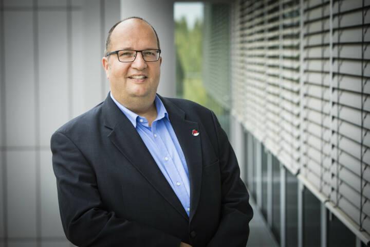 Bernhard Sturm ist seit 2007 bei Red Hat und seit 2013 arbeitet Bernhard Sturm für Red Hat in Österreich. In seiner Funktion als Manager Territory, Partner & Alliances ist Bernhard Sturm verantwortlich für die gesamten Channel und die Territory Aktivitäten Red Hat's in Österreich. Foto: Red Hat