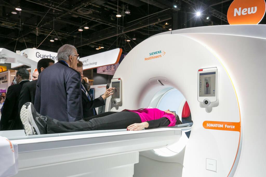 Siemens Healthineers zeigt auf dem Kongress der Radiologischen Gesellschaft; Bild: Siemens Healthineers (19.02.2018)