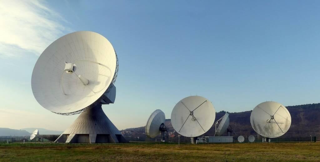 Radar, Radarschüssel, https://pixabay.com/de/radarschüssel-radar-erdfunkstelle-63013/ (19.02.2018)