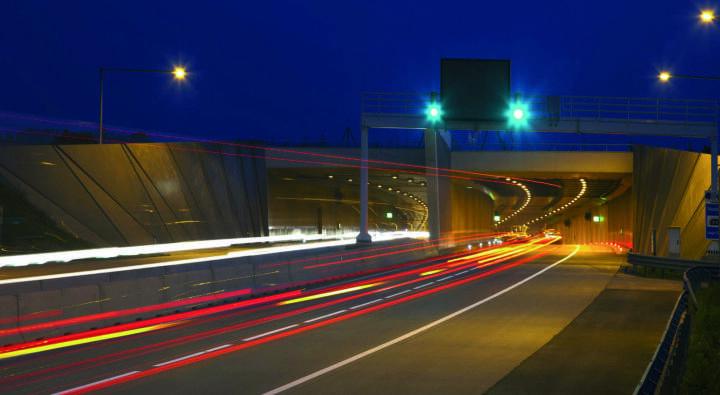 Die PORR Infra schafft mit ihrer Verkehrssicherheitstechnik sichere Verbindungen. © PORR