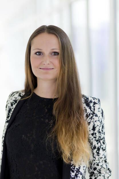 Donau Versicherung AG Vienna Insurance Group: Bianca Reindl, seit Mai 2017 regionale Vertriebsmanagerin der DONAU Versicherung, hat die Aufgabe der Koordinatorin der DONAU Brokerline Wien übernommen. Sie zeichnet damit für 15 Mitarbeiter verantwortlich, die gemeinsam die Vertriebspartner der DONAU in Wien umfassend betreuen. Der Schwerpunkt des Portfolios liegt im Bereich der Gewerbe- und Wohnhausgesamtversicherung. Fotocredit: DONAU Versicherung, © Aussendung (26.02.2018)