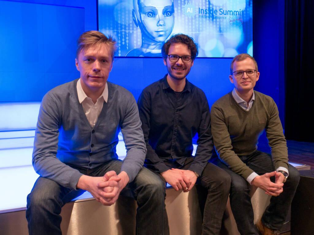"""epiqo GmbH: Die Entwickler von JOBIQO sichern sich eine weitere FFG-Forschungsförderung für den Ausbau ihrer innovativen Jobvermittlungs-Software auf Basis von Artificial Intelligence (A.I.) und Machine Learning. Ziel des Forschungsprojekts ist es, unterschiedlichste Kommunikationskanäle ins """"Job-Matching der Zukunft"""" einzubeziehen.  Foto (v.l.n.r.): Klaus Furtmüller (Gründer), Matthias Hutterer (Head of Innovation) & Martin Lenz (GF), beim """"A.I. Inside Summit"""" am 22. Februar 2018 in Wien. (Credit: JOBIQO) (27.02.2018)"""