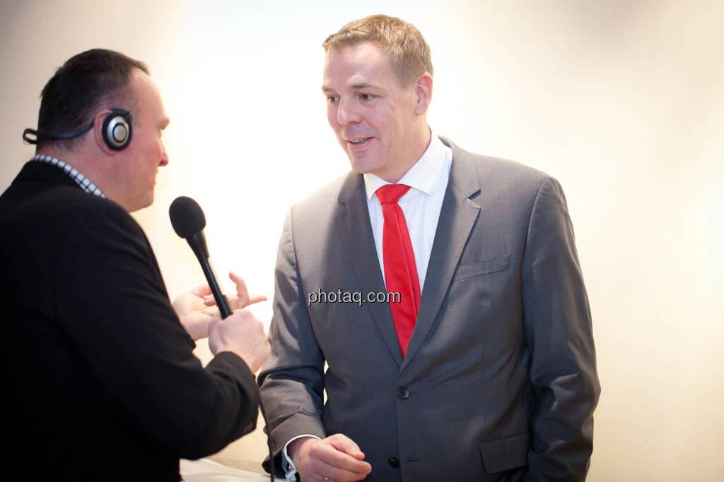 Börse Social Network-Roadshow, Börsenradio-Chef Peter Heinrich interviewt FinGroup Vorstand Alexander Coenen, Credit: Michaela Mejta (01.03.2018)