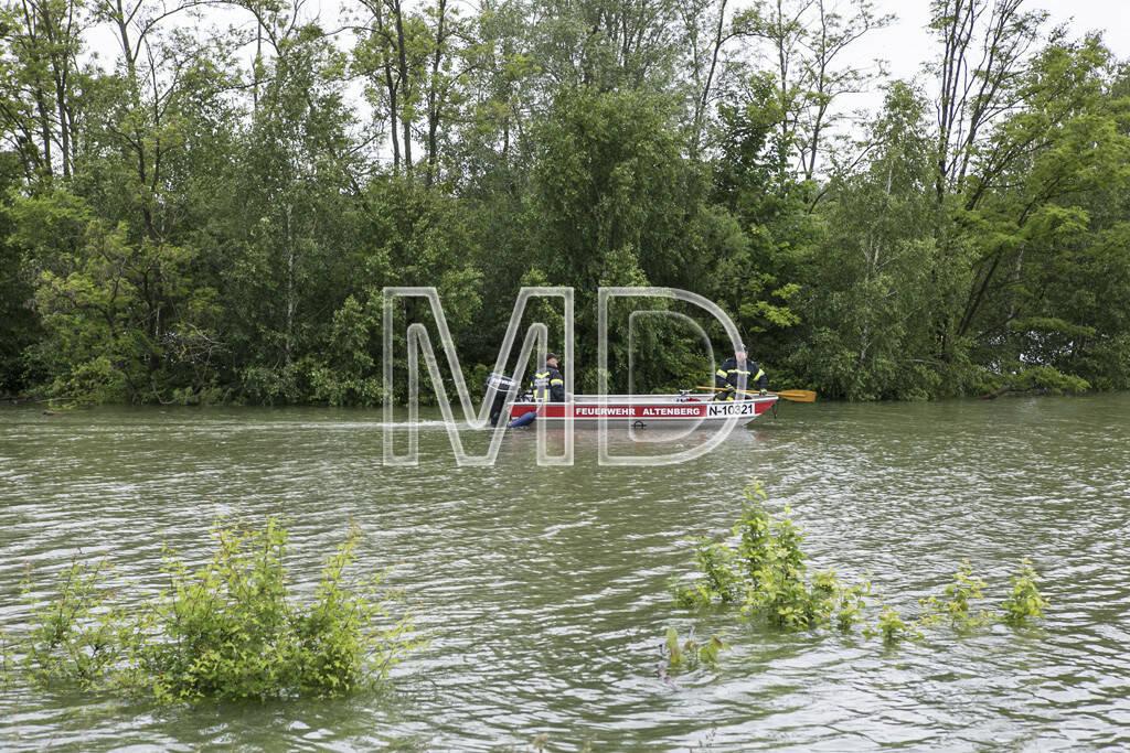 Hochwasser, Altenberg, Feuerwehrboot, © Martina Draper (03.06.2013)