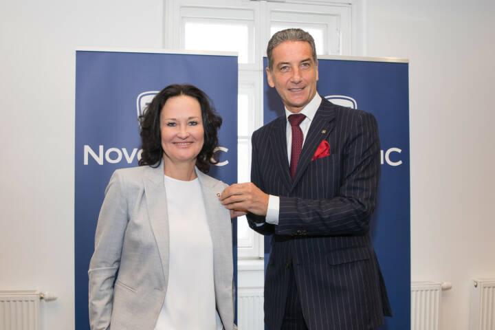 Eva Glawischnig verstärkt Novomatic. CEO Harald Neumann freut sich.  Die Ex-Grünen-Chefin wird beim Gaming-Riesen für den Bereich Corporate Social Responsibility zuständig sein  (Bild: Thomas Meyer)