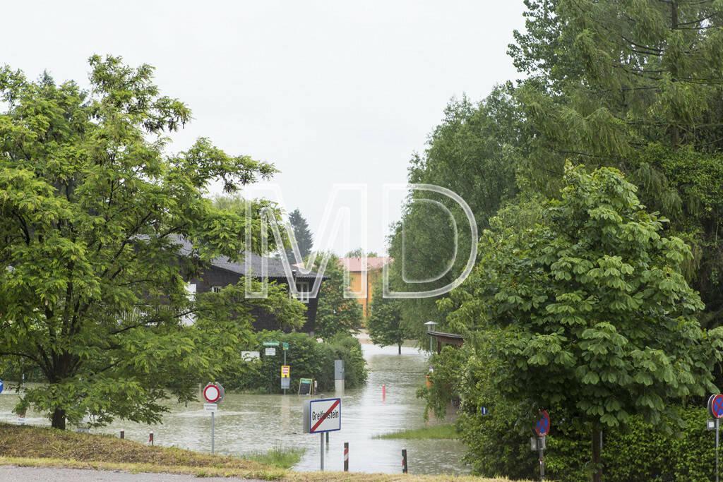 Hochwasser, Greifenstein, Parkplatz, © Martina Draper (03.06.2013)