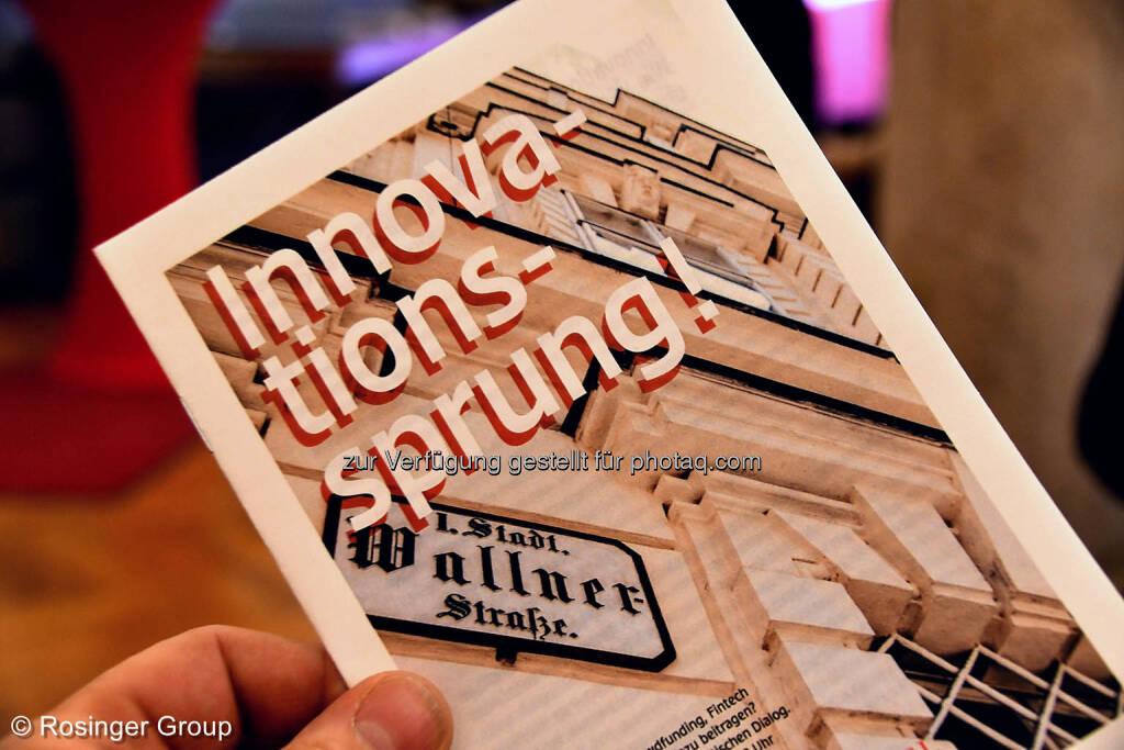 Praktisch und Übersichtlich: ein kleines Heft mit persönlichen Hintergründen der Personen am Board..., © (C) Rosinger Group (03.03.2018)