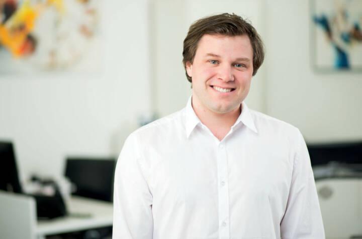 Michael Neuhofer ist im neuen Vertriebsbüro von Samson Druck in Salzburg stationiert und betreut von hier aus Kunden in der Region und dem angrenzenden Bayern direkt vor Ort. Bildquelle: Samson Druck