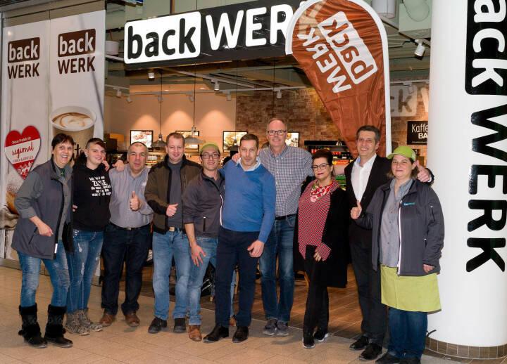 Startschuss für das BackWerk-Team in der stark frequentierten BahnhofCity Wien West; Bildquelle: Christian Schörg