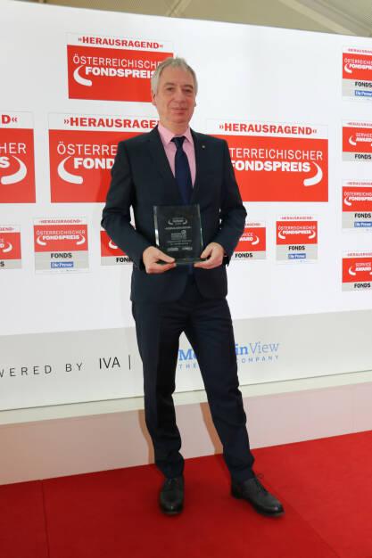 """Wiener Städtische Versicherung AG: Fonds professionell Service-Award 2018: """"Herausragend"""" für Wiener Städtische Versicherung; im Bild: Wiener Städtische Partnervertriebschef Gerhard Heine; Fotocredit: Wiener Städtische, © Aussendung (07.03.2018)"""