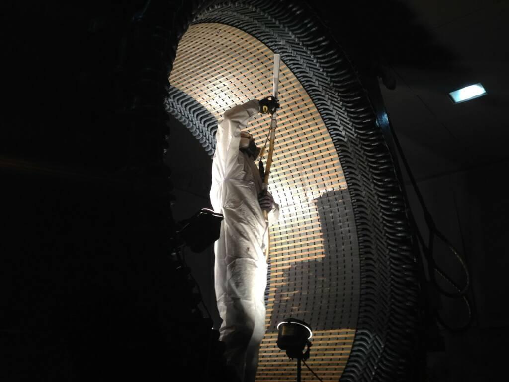Egger PowAir Cleaning GmbH: 3 Millimeter oder 3 Meter - berührungslose Reinigung von Keramik-Waben bis Industrie-Großanlagen mit kalter Trocken-Druck-Luft; Fotocredit: Egger PowAir Cleaning GmbH / ER / 2018, © Aussender (14.03.2018)