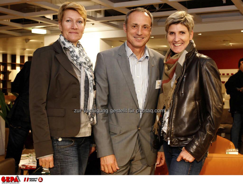 Gerlindo Wohlauf, Geschaeftsfuehrer Anton Schutti (Sporthilfe) und Birgit Wagesreither. Foto: GEPA pictures/ Mario Kneisl (04.06.2013)