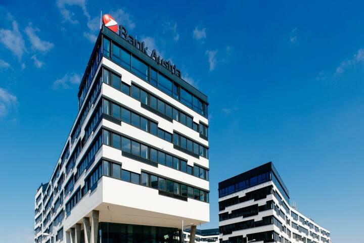 Der Umzug der Unicredit Bank Austria in die neue Unternehmenszentrale am Austria Campus hat begonnen, das neue Headquarter ist Standort für die UniCredit Bank Austria, die in Wien ansässigen UniCredit CEE-Einheiten und alle UniCredit Konzerngesellschaften in Wien, insgesamt 5.300 Mitarbeiterinnen und Mitarbeiter übersiedeln in den Austria Campus; Bild: Unicredit