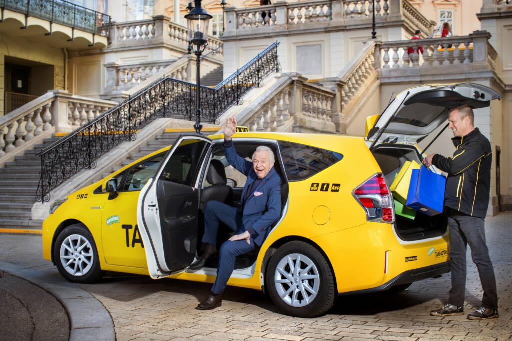 Taxi 40100: Mobil bleiben - mit dem neuen Senioren-Taxi von Taxi 40100, Fotocredit: Taxi 40100/Kernmayer, © Aussender (29.03.2018)