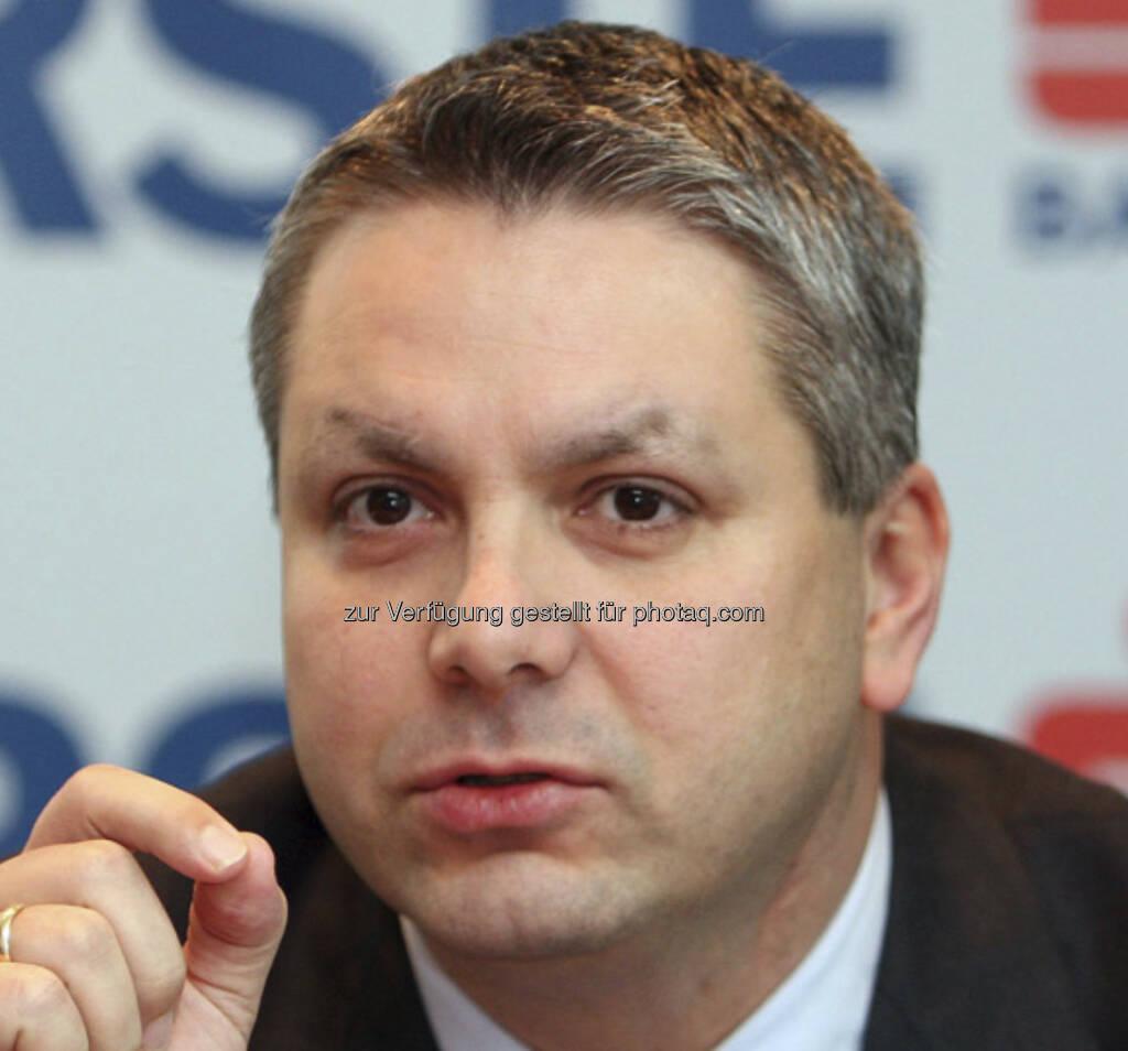 Peter Bosek, Vorstand Erste Bank (5. Juni) - finanzmarktfoto.at wünscht alles Gute!, © entweder mit freundlicher Genehmigung der Geburtstagskinder von Facebook oder von den jeweils offiziellen Websites  (05.06.2013)