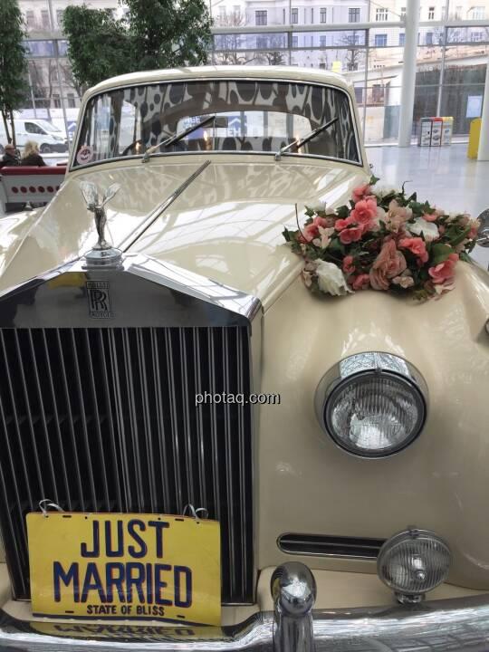 Just married, Rolls Royce