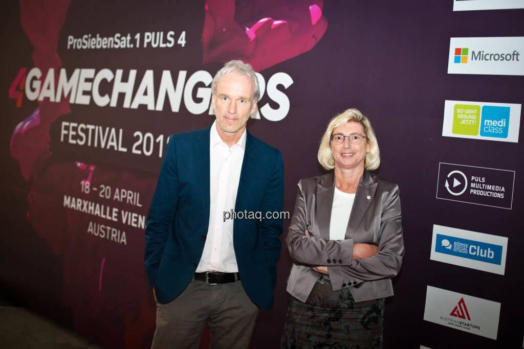Christian Drastil (BSN), Elisabeth Stadler (VIG) am 4gamechangers Festival, © Michaela Mejta + diverse Handypics (17.04.2018)