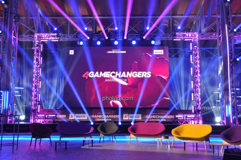 4Gamechangers, Bühne, Couch, © Michaela Mejta + diverse Handypics (17.04.2018)
