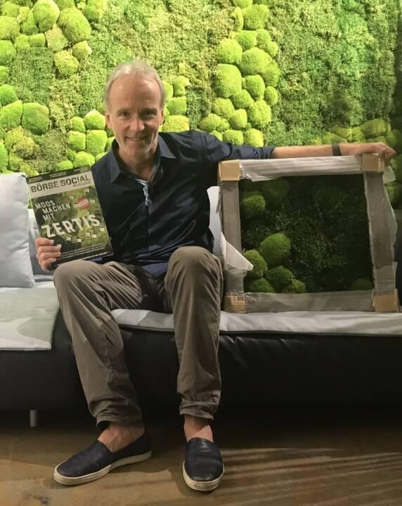 Moos machen mit Zertifikaten, geniales wildes Moos by Andreas Lichtblau