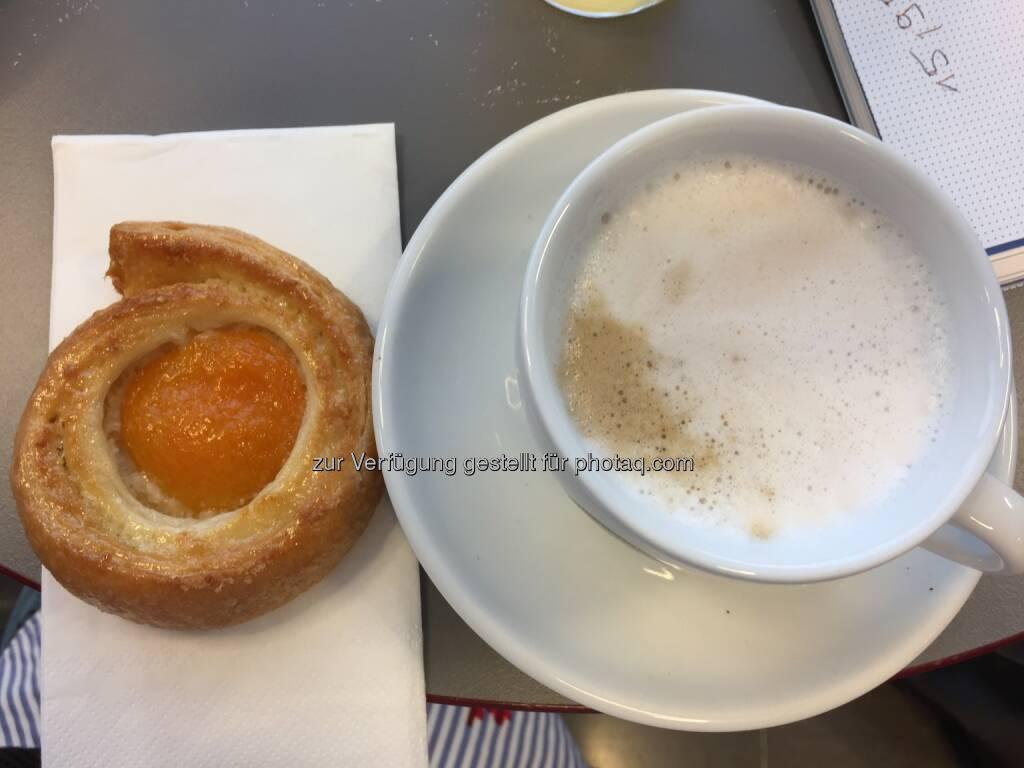 Frühstück mit Kaffee in der Riesen-Tasse, SBO-HV 2018 (25.04.2018)