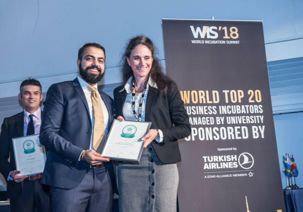 INiTS ist top gereihter Inkubator, INiTS-CEO Irene Fialka nimmt den Preis entgegen, Copyright: UBI Global (27.04.2018)