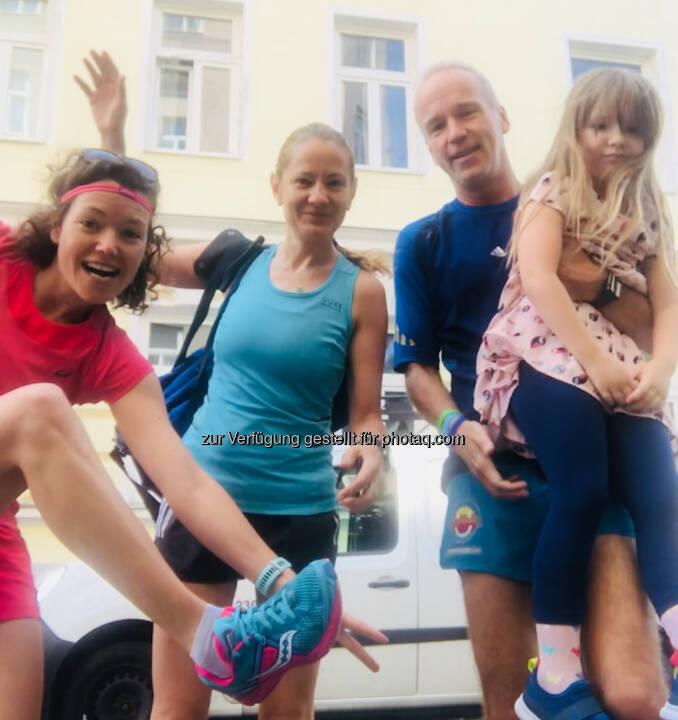 Fahrgemeinschaft: Marianne Kögel, Diana Berisa-Klusoczki , Vater und Tochter