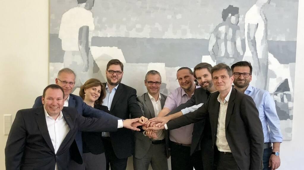 Die heimische Start-Up Szene ist um eine weitere Erfolgsgeschichte reicher. Sipwise, eine der frühen Beteiligungen in der Sparte Deeptech von Speedinvest und tecnet equity wird vom Technologieanbieter Alcatel-Lucent Enterprise übernommen. Vlnr. Jürgen Milde-Ennöckl (tecnet), Michel Ozanian (ALE), Doris Agneter (tecnet), Andreas Granig (Sipwise), Bernd Stangl (ALE), Werner Zahnt (Speedinvest), Daniel Tiefnig (Sipwise), Gernot Fuchs (Sipwise) und Atilla Ceylan (Sipwise) Copyright: tecnet (18.05.2018)