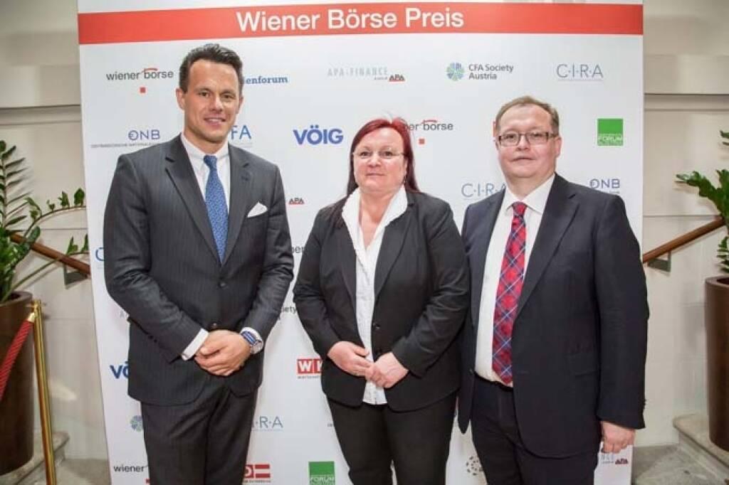 Wiener Börse-CEO Christoph Boschan mit Yvette und Gregor Rosinger (Rosinger Group); Credit: APA-Fotoservice, © APA-Fotoservice/Wiener Börse (22.05.2018)