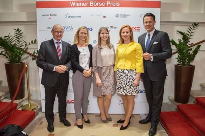 Team der Wiener Börse: Wiener Börse-Vorstand Ludwig Nießen, Maria Zorn, Julia Resch (Pressestelle), Börse-CEO Christoph Boschan; Credit: APA-Fotoservice