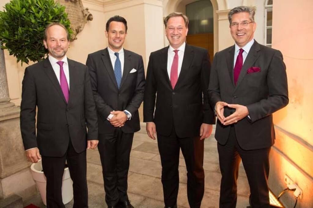 AT&S-Chef Andreas Gerstenmayer, Wiener Börse-CEO Christoph Boschan, CA Immo-CFO Hans Volkert Volckens; Credit: APA-Fotoservice, © APA-Fotoservice/Wiener Börse (22.05.2018)