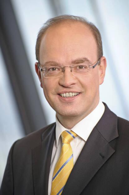 Peter Lennkh, RBI-Vorstand (10.Juni) - finanzmarktfoto.at wünscht alles Gute! (c) Kammeter, © entweder mit freundlicher Genehmigung der Geburtstagskinder von Facebook oder von den jeweils offiziellen Websites  (10.06.2013)