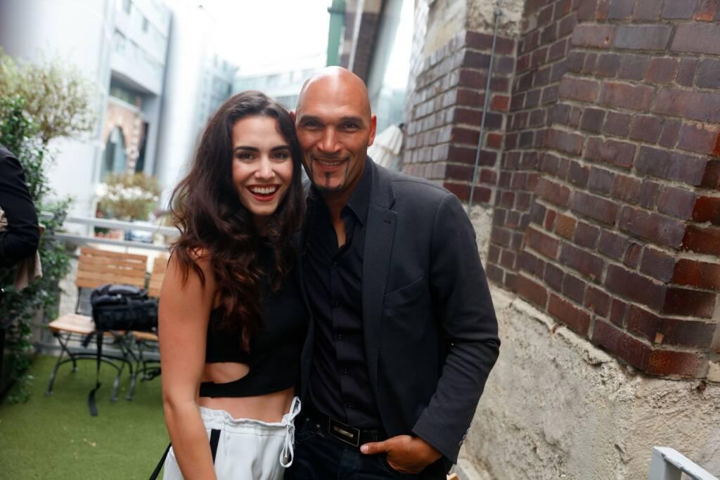 Models Kimberly Budinsky mit Model Cyril Radlher; © Stefan Joham (29.05.2018)