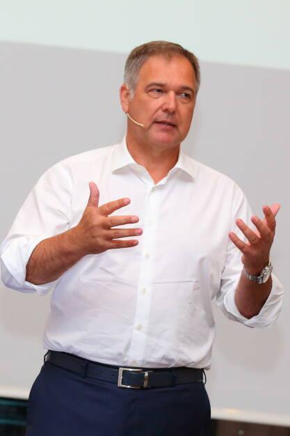 Wirtschaftsbund Wien: Wirtschaftsbund Wien: Walter Ruck als Landesobmann wiedergewählt; Fotocredit: phototiller, © Aussender (10.06.2018)