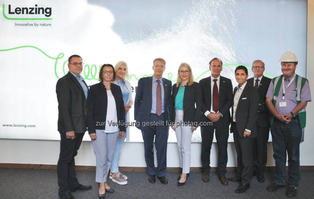 Recently we received a high-ranking visitor at our headquarter in Lenzing. Austrian Federal Minister for Digital and Economic Affairs Margarete Schramböck visited us on a tour through Vöcklabruck.  Source: http://facebook.com/LenzingGroup, © Aussendung (11.06.2018)