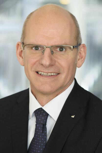 Ralph Müller übernimmt ab 1. Juli 2018 die Führung der DONAU Versicherung als Vorstandsvorsitzender und Generaldirektor. Er folgt damit Peter Thirring, der in den Vorstand der Vienna Insurance Group wechselt. Fotocredit:DONAU Versicherung/Spiola, © Aussendung (02.07.2018)