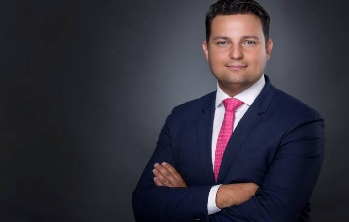 Die DONAU Versicherung verleiht Mario Dienstl, dem Leiter der Schadenabteilung im Bereich Nicht-Leben, per 1. Mai 2018 die Prokura. Fotocredit: Michael Maier