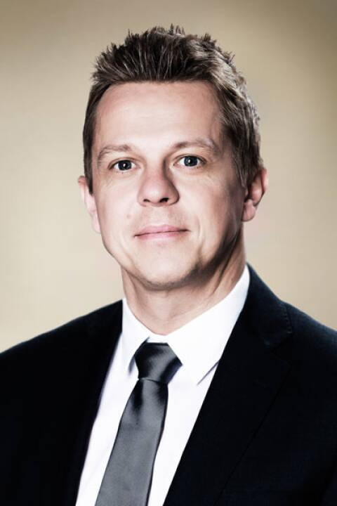 Das auf Executive Search spezialisierte Beratungsunternehmen Leading Search Partners erhält mit Jürgen Rothdeutsch einen neuen Senior Consultant. Der ehemalige Fußballprofi und Ironman 2017 Finisher verfügt über eine zehnjährige Managementerfahrung und ist in seiner neuen Funktion bei Leading Search Partners für das weitere Wachstum des Unternehmens sowie für die Vermittlung von Management-Positionen verantwortlich. Bildcredit: Wilfried Mörtl