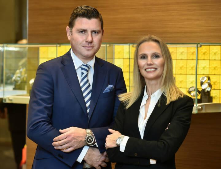 Seit Jahresbeginn steht die Uhren-Vertriebsgesellschaft mit Sitz in Wien unter neuer Führung. Der Generalimporteur der Luxusuhrenmarke BREITLING tritt mit der Übernahme der Geschäftsführung von Mag. Markus Scharinger und Birgit Linhart-Kaser eine neue Ära an. Bild: Breitling