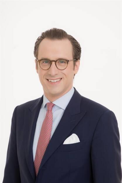 """Christoph Trauttenberg, Director von Michael Page in Österreich: Insgesamt kann eine Gesamtumsatzsteigerung im 2. Quartal 2018 zum Vergleich mit dem 2. Quartal 2017 von +16 % auf rund EUR 236 Mio. vermeldet werden. Das ist die größte vierteljährliche Wachstumsrate seit sieben Jahren. Im Vergleich zum ersten Halbjahr 2017 konnte das Unternehmen im selben Zeitraum 2018 einen Umsatz von rund EUR 449 Mio. verzeichnen. Das entspricht ebenfalls einer großartigen Steigerung von +14,2 %."""", Copyright: © Richard Tanzer, © Aussender (17.07.2018)"""