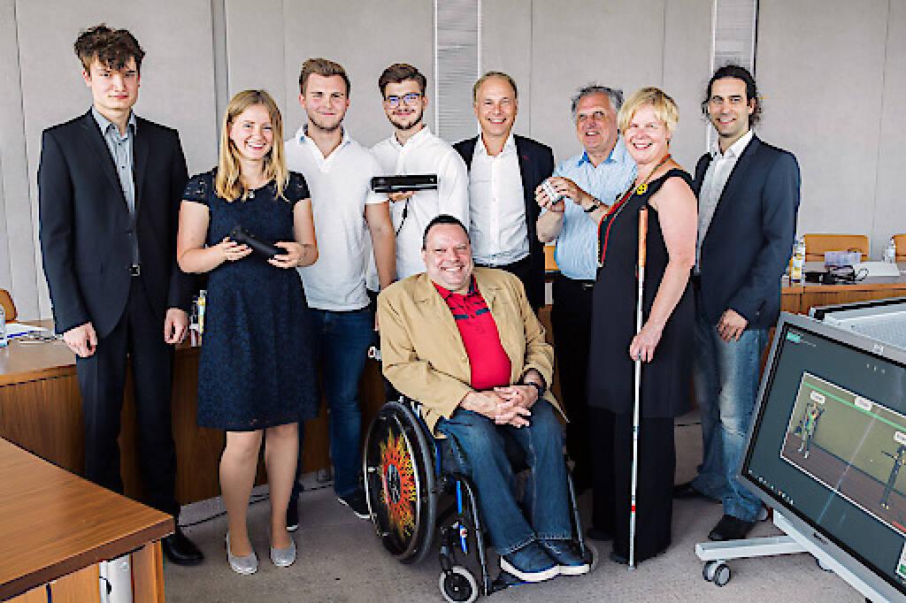 Die Sieger des UNIKATE Ideenwettbewerbs 2018 für Menschen mit Behinderungen stehen fest. UNIKATE sind ein gemeinsames Projekt von UNIQA Österreich, dem Österreichischen Behindertenrat und dem Institut für Gestaltungs- und Wirkungsforschung der TU-Wien.Der Preis geht heuer an die Schüler Niklas Brandacher und Marlene Feuchtinger (HTL Braunau), Felix Götzhaber und Marco Kobald (HTL Klagenfurt) sowie den Studenten Johannes Strelka-Petz (TU Wien). Alle drei Siegerprojekte werden mit jeweils 2.000 Euro Preisgeld unterstützt. Credit: UNIQA / Lukas Ilgner, © Aussendung (25.07.2018)