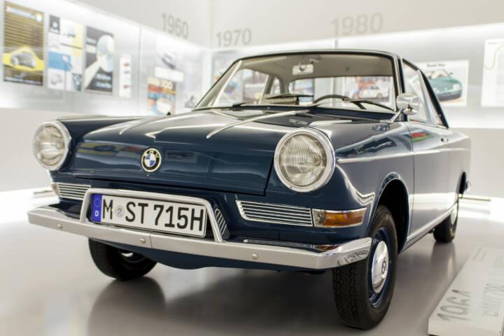 BMW, Oldtimer, Auto - https://de.depositphotos.com/29963771/stock-photo-bmw-700-1964-in-bmw.html